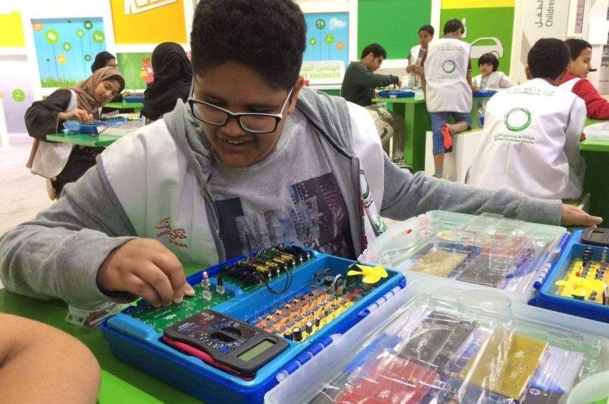 تستكمل هيئة كهرباء ومياه دبي ،فعالية # مهندس_المستقبل (المخيم الشتوي لمهندس المستقبل)